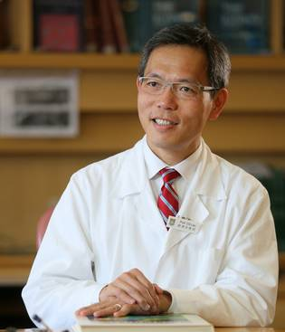 Professor Chak-Sing Lau, President of the Hong Kong Academy of Medicine